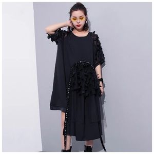 Tops - 🆕 Black Oversize Asymmetrical Tulle Lace Top